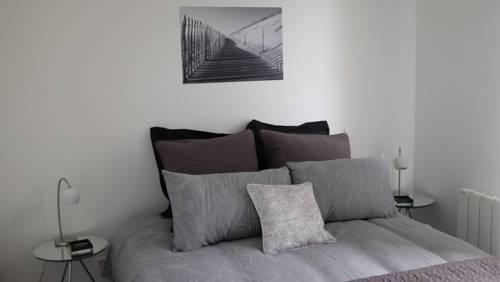 Les Appartements De La Cite Du Vin : Apartment near Cenon