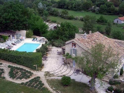 Le Mas Du Pont Roman : Hotel near Saint-Maime