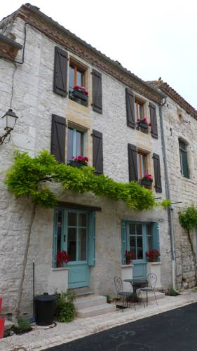 Pretty Bastide Town house : Guest accommodation near Anthé