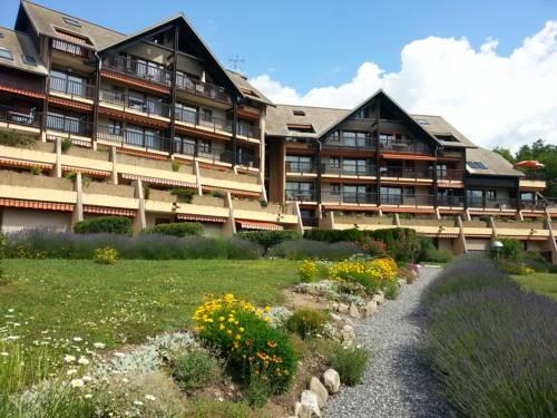 Les jardins du lac : Apartment near Puy-Sanières