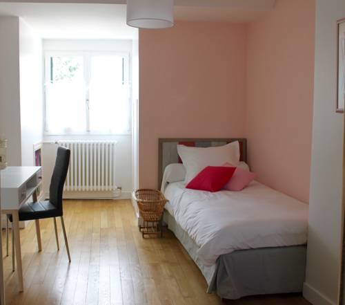 Au Coeur De Beauvais Apartment : Bed and Breakfast near Beauvais