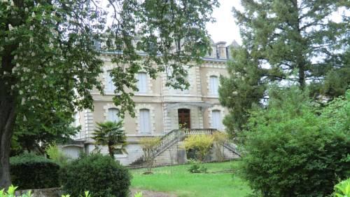 Château De Pile : Bed and Breakfast near Agnac