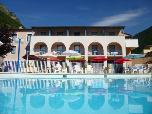 Tonic Hotel : Hotel near Archail