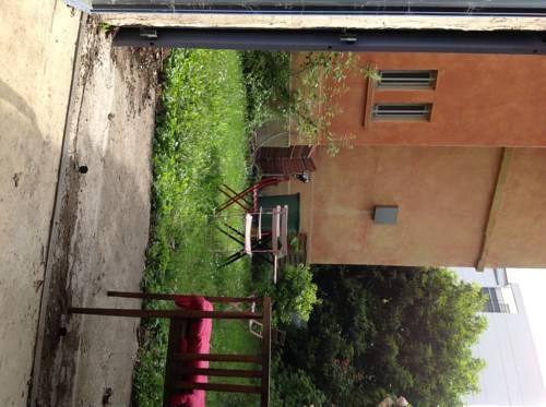 Îlot de verdure en plein centre : Guest accommodation near Tassin-la-Demi-Lune