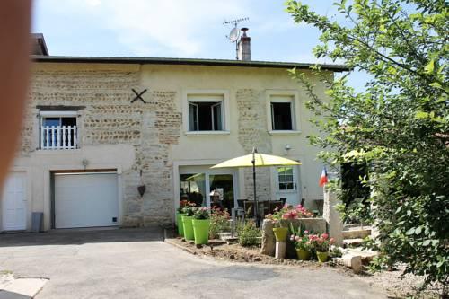 Les Trois Maisons : Apartment near Saint-Jean-le-Vieux