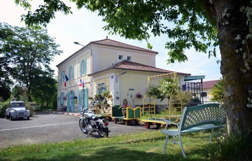 Avenue de la Gare : Bed and Breakfast near Riscle