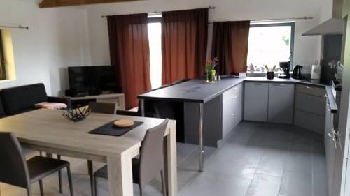 le clos du fourmanoir : Guest accommodation near Papleux