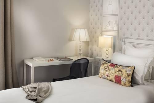 Hôtel Paris Vaugirard : Hotel near Issy-les-Moulineaux