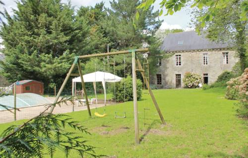 Holiday Home Spezet I : Guest accommodation near Carhaix-Plouguer