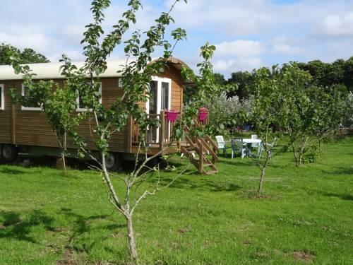 Roulotte Bigoudenne : Guest accommodation near Pont-l'Abbé