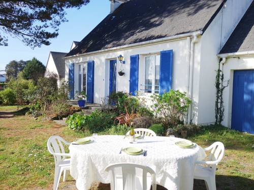 Holiday Home Monteno : Guest accommodation near Arzon