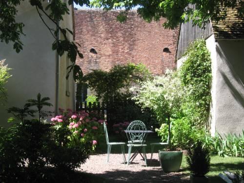 Chambre d'Hotes Propriété de la Derne : Bed and Breakfast near Donzy