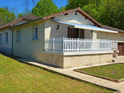 Holiday Home Motyl : Guest accommodation near Nontron