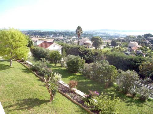 Villa La Buissonière : Guest accommodation near Vallauris