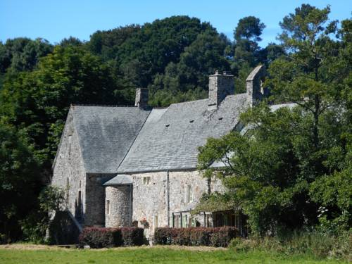 Prieure St Pierre de La Luthumiere : Bed and Breakfast near Brix