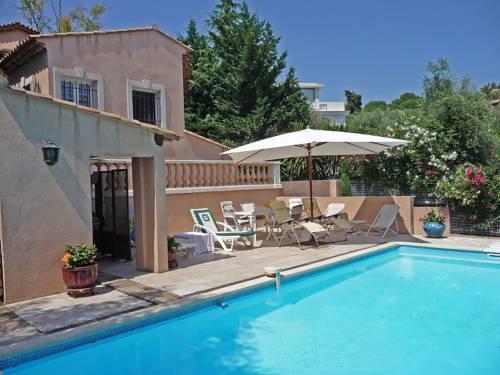 Villa Mas des Chevaliers : Guest accommodation near Le Cannet