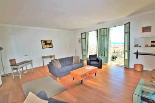Le Balmoral Sea View : Apartment near Cannes