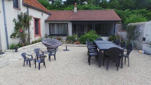 Le Val de Nodicia : Guest accommodation near Saint-Claude-de-Diray