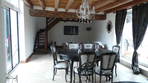 Le Val de Nodicia : Guest accommodation near Saint-Claude-de-Diray