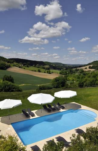 Gîtes Le Relais de Roquefereau : Guest accommodation near Auradou