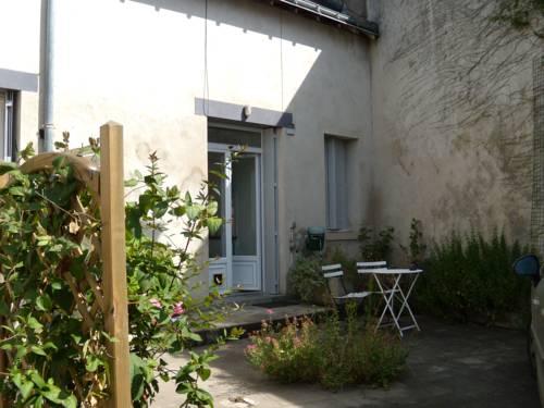Gite de la rivière : Apartment near Saint-Martin-le-Beau