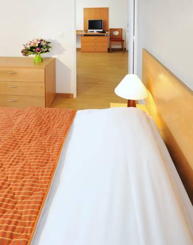 Séjours & Affaires Paris-Nanterre : Guest accommodation near Rueil-Malmaison
