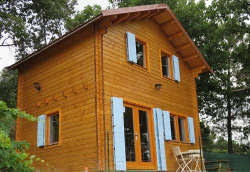 Le Chalet Du Vassalent : Guest accommodation near Mercuer