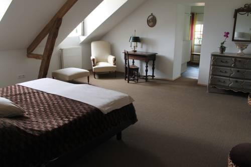 La Flânerie du grand chêne : Guest accommodation near Autrèche
