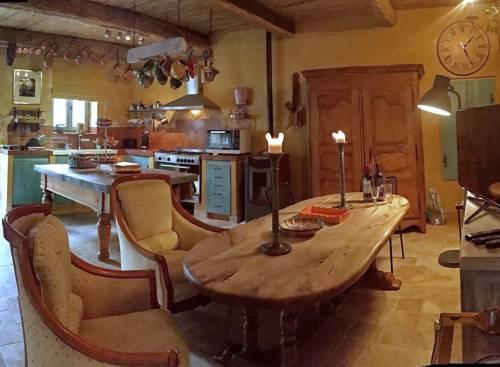 La Grange de la Lavande : Guest accommodation near Saumane