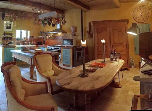 La Grange de la Lavande : Guest accommodation near Banon