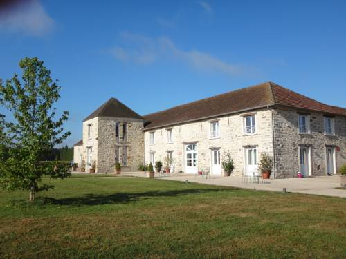 Gîtes Nomade-Lodge : Bed and Breakfast near Courtomer
