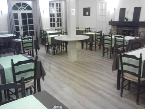 Hotel des Voyageurs : Hotel near Angoisse