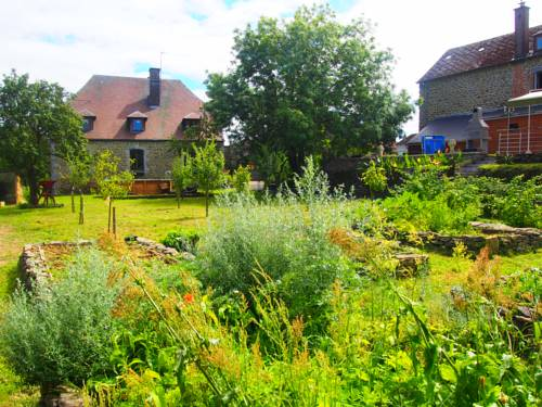 Le Verger : Guest accommodation near Aubrives
