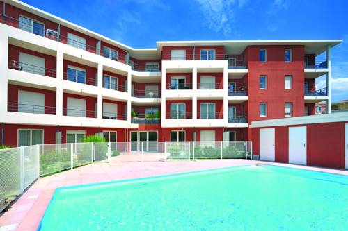 hotel vitrolles hotels near vitrolles 13127 france. Black Bedroom Furniture Sets. Home Design Ideas
