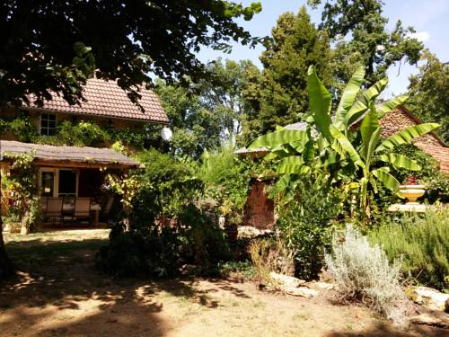 Vallonbreuse : Bed and Breakfast near Archignac