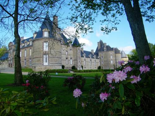 Chateau de Canisy : Hotel near Amigny
