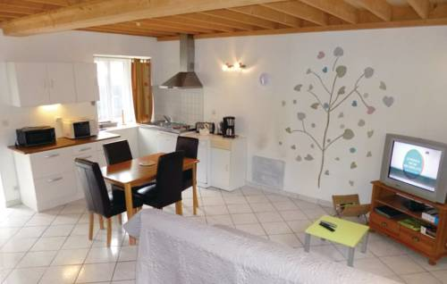 Holiday home Bis Route Des Iles : Guest accommodation near Les Pieux