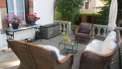 Maison les Deux : Bed and Breakfast near Cercy-la-Tour