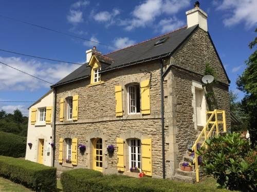 La Maison Jaune : Guest accommodation near Guémené-sur-Scorff