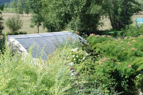 Cottage Les Quatre Saisons : Guest accommodation near Bennecourt