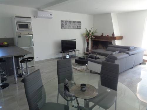 Residence du Midi : Apartment near Cazaubon
