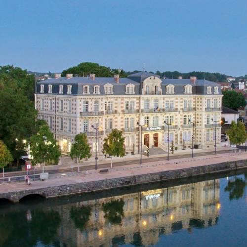 Les Jardins du Mess : Hotel near Meuse