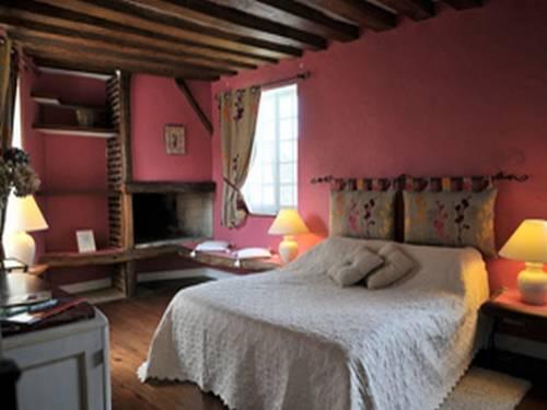 Aux Fleurs de Cerises : Bed and Breakfast near Jagny-sous-Bois