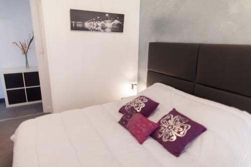 Cosy appart proche gare : Hotel near Gironde