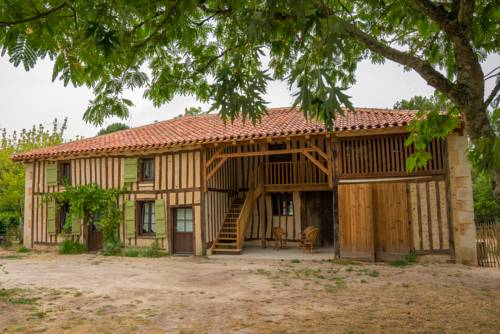 Gites Lou castet de lussolle : Guest accommodation near Allons
