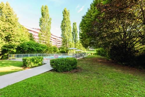 Appart'City Confort Genève Aéroport – Ferney Voltaire : Hotel near Ferney-Voltaire