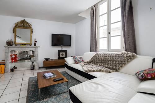Luckey Homes Apartments-Rue des Tanneurs : Hotel near Bouches-du-Rhône