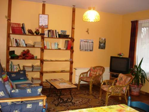 Le Stang : Bed and Breakfast near Plouray
