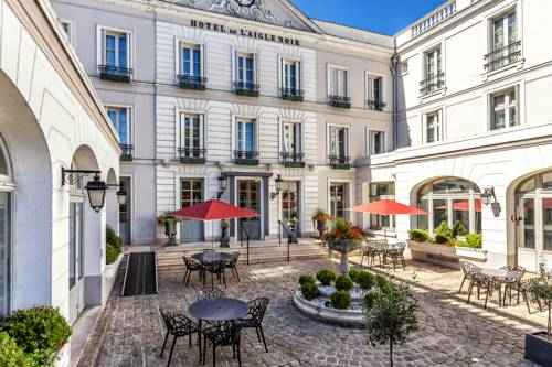 Aigle Noir Hôtel : Hotel near Poligny