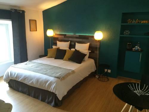 hotel bordeaux hotels near bordeaux 33300 or 33800 or 33100 or 33200 or 33000 france. Black Bedroom Furniture Sets. Home Design Ideas